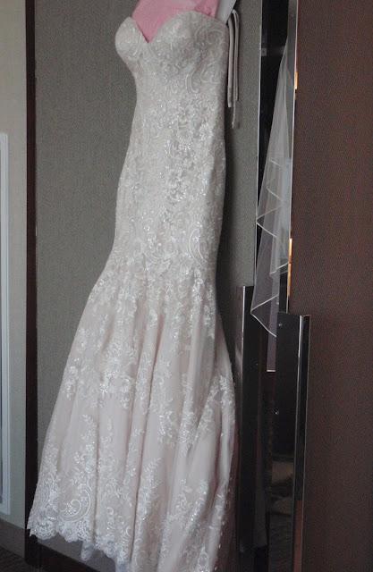 trumpet bridal gown