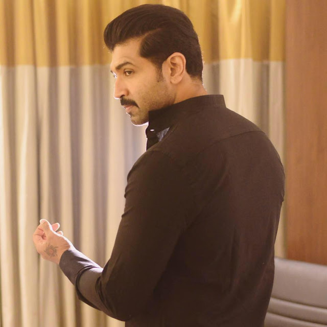 Arun Vijay family, wife, family photos, father, sisters, movies, actor, hairstyle name, photos, films, actor family photos, in yennai arindhaal, new movie, akumar, images, latest movie, tamil movies, age, wiki, biography