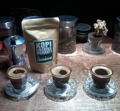 Minuman Khas Riau Pelepas Dahaga kopi liberika meranti kopicurah Pekanbaru nangcoffee