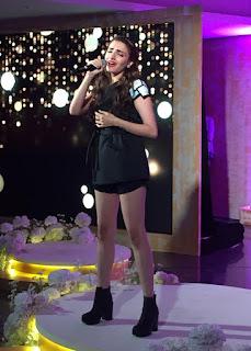 Prakriti Kakar Cute Singer