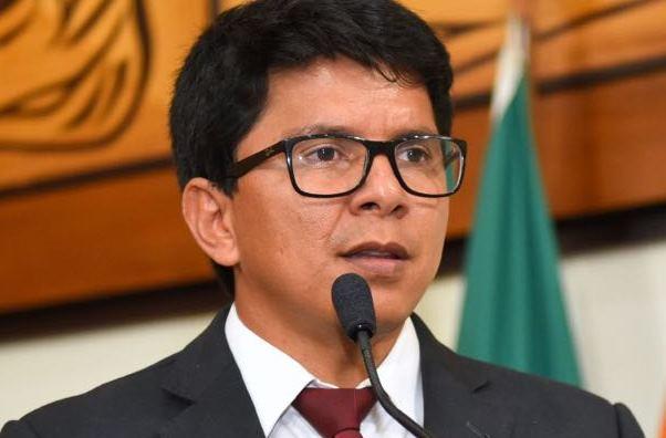 Jenilson Leite pede contratação de engenheiros florestais no Acre e regularização de bairro em Plácido