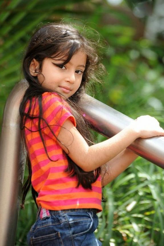 BABY SARAH CUTE PHOTOS | Cine Actors and Actress Images