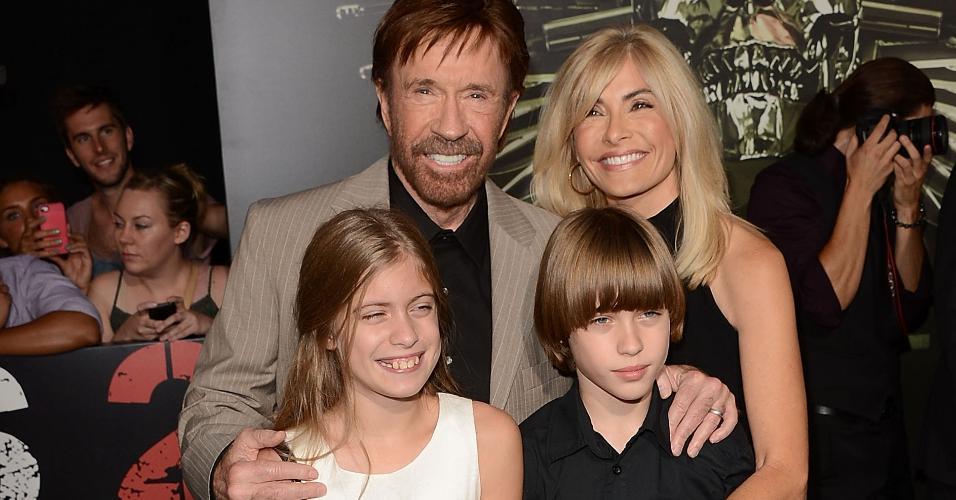 Chuck Norris processa 11 empresas de drogas  por envenenar sua esposa