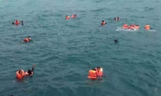 BREAKING NEWS : Sudah 4 Korban Meninggal Ditemukan, Sebagian Besar Penumpang, Selamat Dievakuasi Tim SAR dan Warga