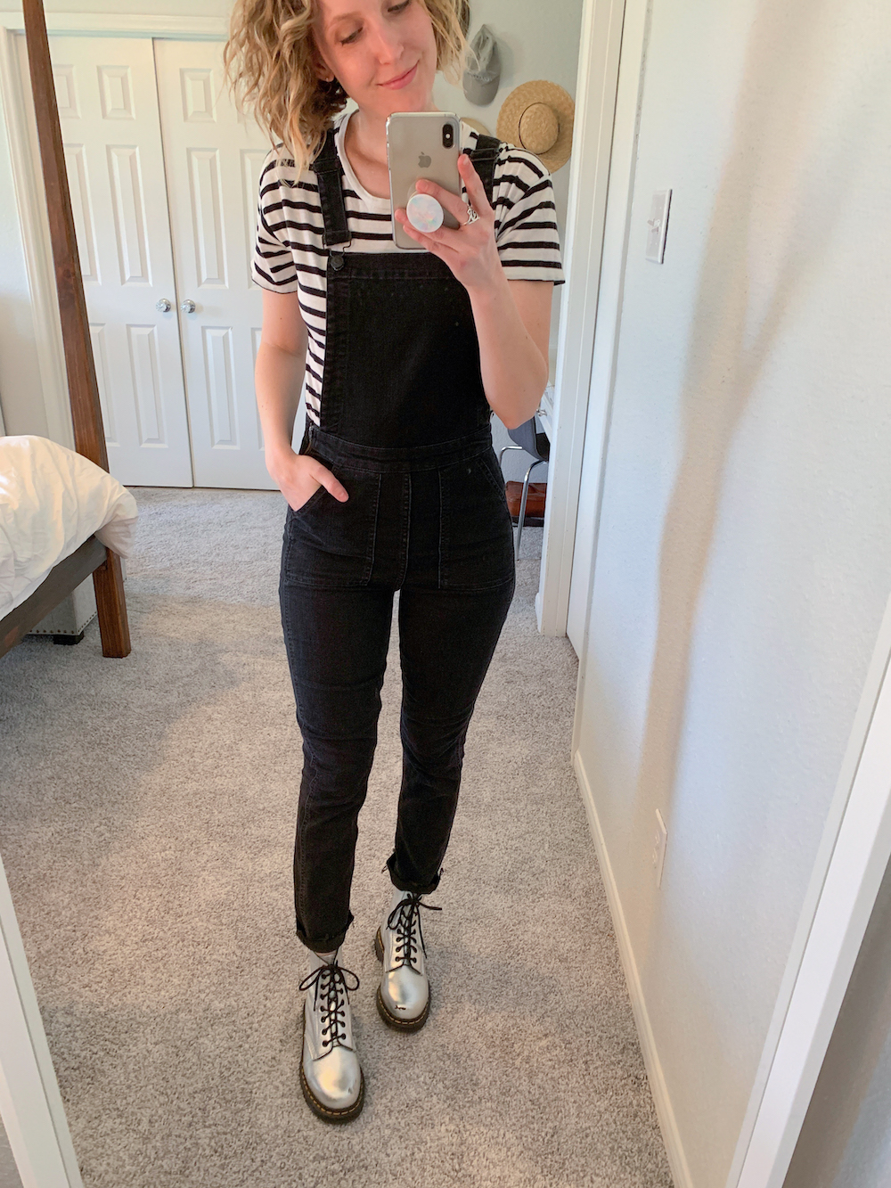 how to style denim overalls, overalls, styling overalls, casual overalls, six ways to style overalls, Jesse Coulter blog, Austin blogger, Austin fashion blogger, mom overalls, madewell overalls, mom style blogger, mom fashion blogger, Austin Texas, Austin blogger, black overalls