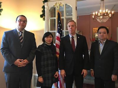 Zân chủ Việt đòi ăn vạ bu Mỹ?