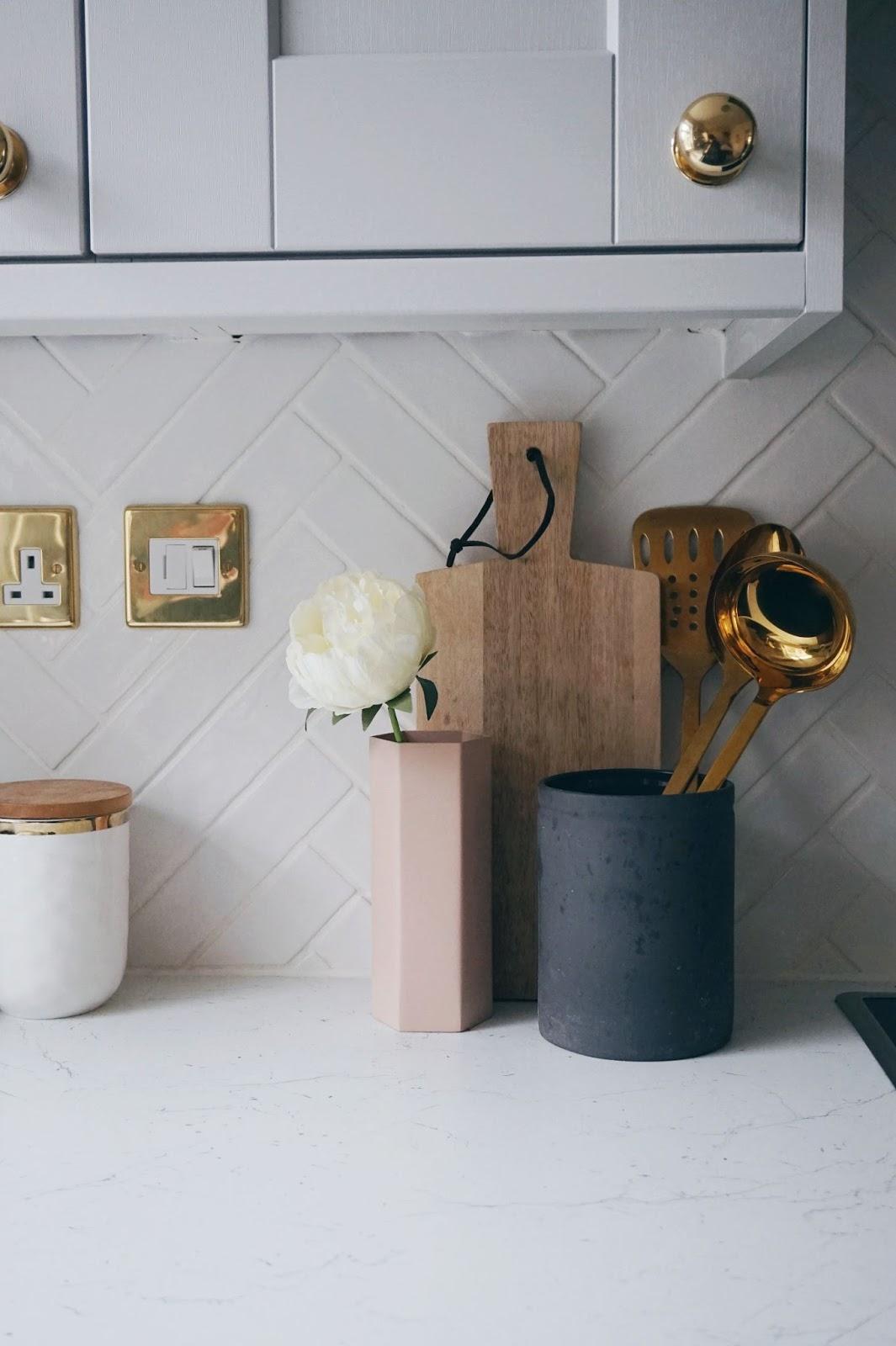 herringbone kitchen tiles