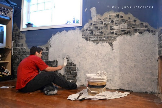 How to make a concrete textured wall / funkyjunkinteriors.net