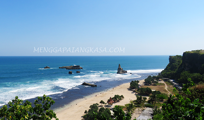 Panorama Pantai Buyutan dari Ketinggian