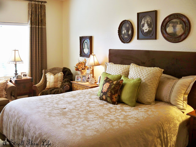 a stroll thru life thrift store room makeover 2 master bedroom. Black Bedroom Furniture Sets. Home Design Ideas