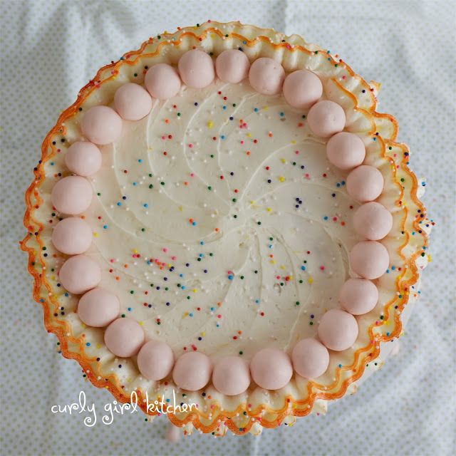 http://www.curlygirlkitchen.com/2013/07/orange-rainbow-ruffle-cake-with.html