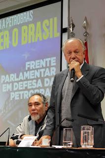 Resultado de imagem para Haroldo Lima vice-presidente nacional do PC do B e ex- diretor da ANP