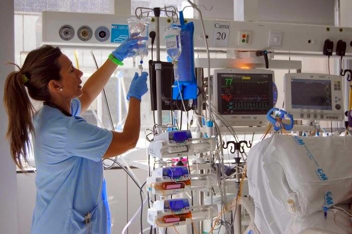 unidad de cuidados intensivos adultos concepto