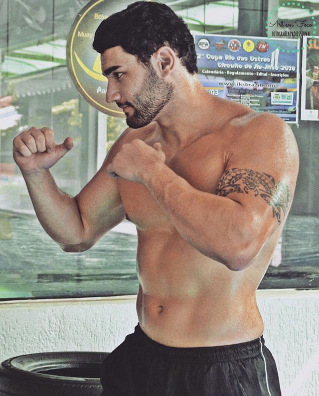 Matheus Lopes já perdeu 1k de gordura corporal com aulas de CrossFit. Foto: Junior de Oliveira e Gabrielle Toledo/Art em Foco