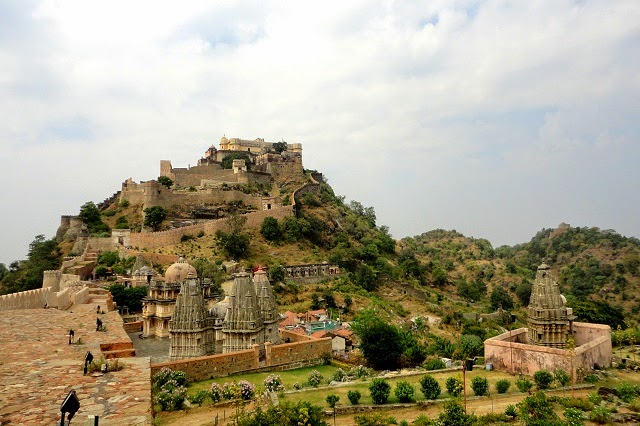 Kumbhalgarh Fort, Rajasthan  IMAGES, GIF, ANIMATED GIF, WALLPAPER, STICKER FOR WHATSAPP & FACEBOOK