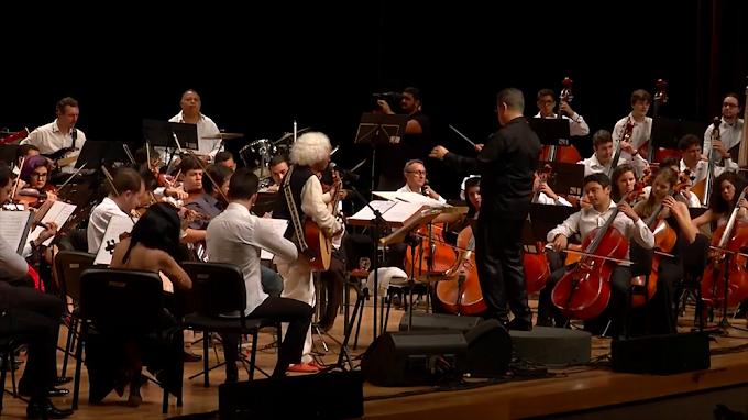 """70 anos de Cátia de França com vídeo de """"Kukukaya"""" ao lado da Orquestra Sinfônica da Paraíba"""