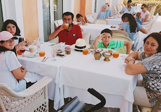 Седат Игдеджи отдыхает с семьей