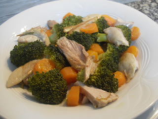 Brócoli con pollo asado y zanahoria