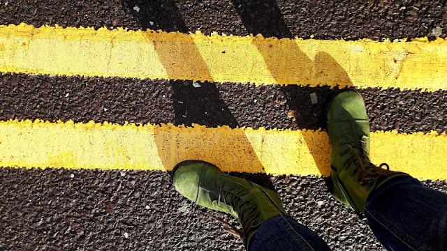 Vihreät maiharit, vihreät kengät, maiharit