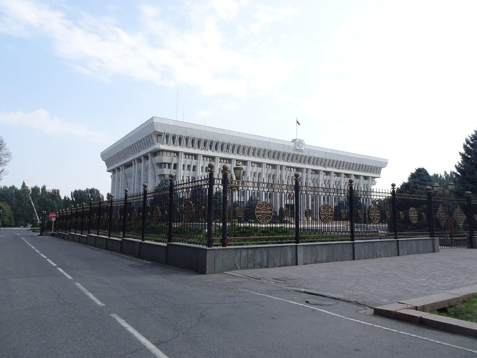 漫遊九十國: 我所遊覽過的中亞國家 - 吉爾吉斯 - 比斯凱克 (Bishkek) (一)