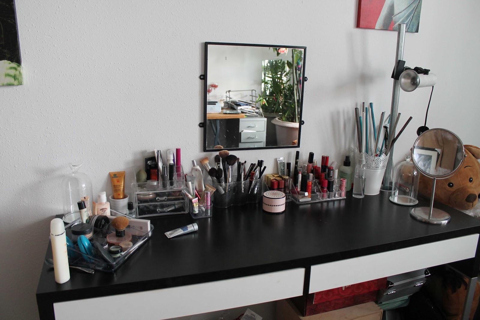 mes rangements make up. Black Bedroom Furniture Sets. Home Design Ideas