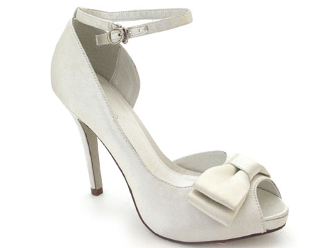 ea4b04f2e29 Νυφικά Παπούτσια MIGATO 2013 | Μοντέρνα Σταχτοπούτα. . .