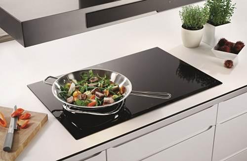 Bếp từ nấu nướng an toàn, tiết kiệm và bắt mắt