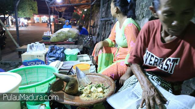 Wisata Kuliner Rujak Desa di Bangkalan