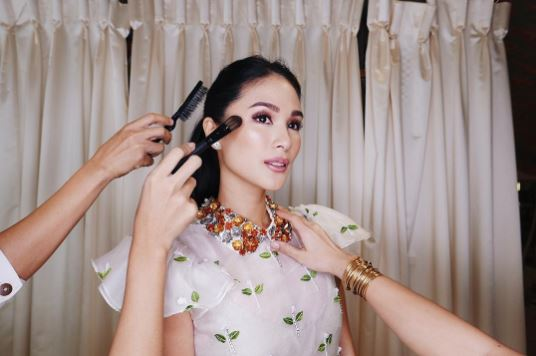 Bonggang Gown Ni Heart Evangelista Para Sa Star Magic Ball 2017, Ipinasilip At Talagang Nakakamangha!