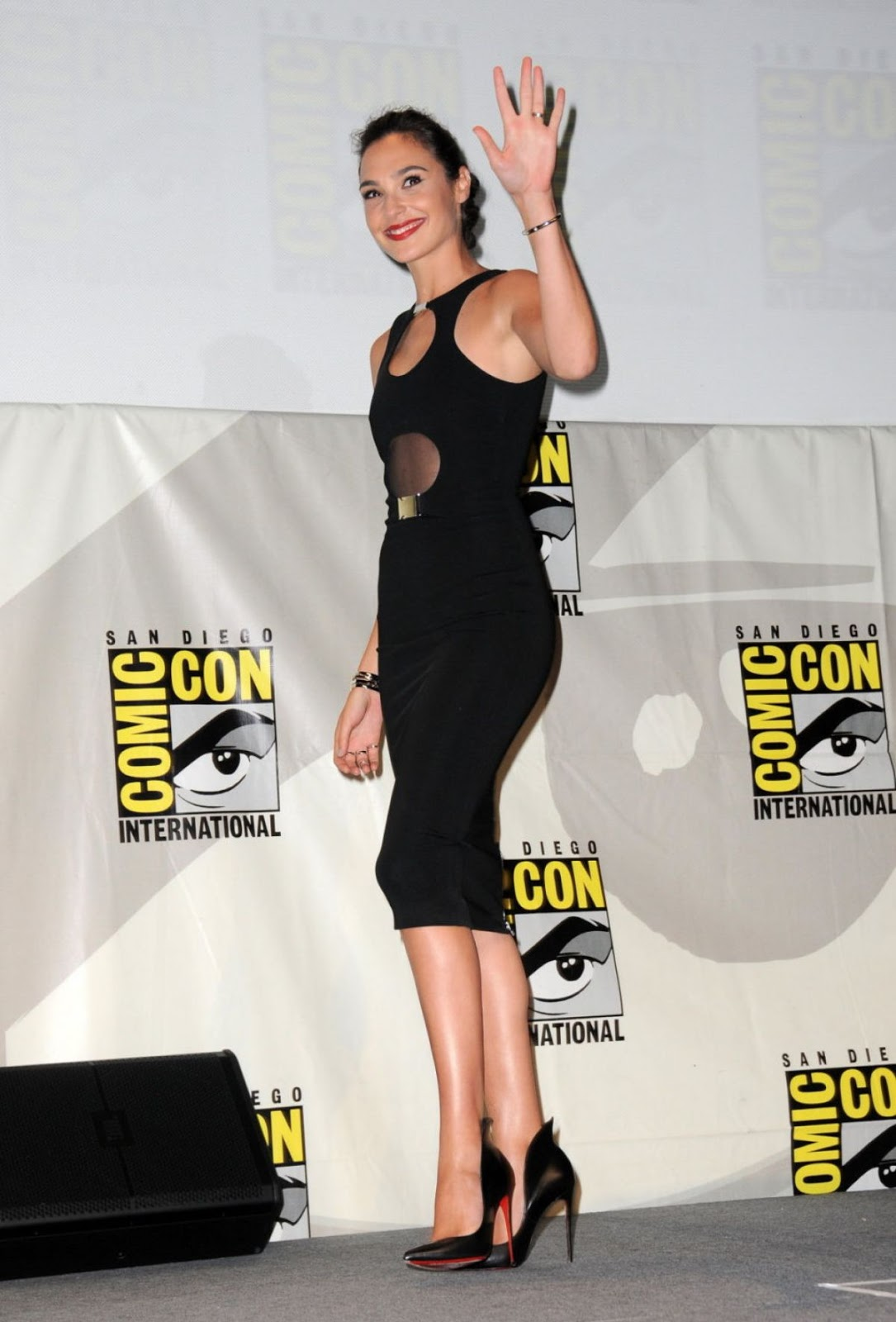 HOT & Sexy Gal Gadot At Women Who Kick Ass Panel At Comic Con In San Diego