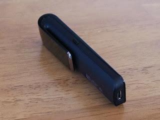 SHARP CLIP DISPLAY スティック状の物と想像していましたが、本体にクリップが付いていて形状はイマイチ!