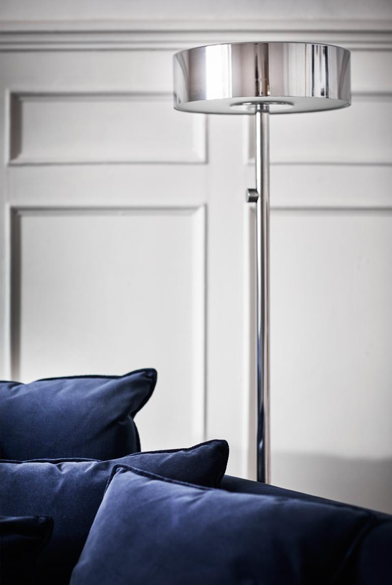 ikea stockholm sofa cómodo azul