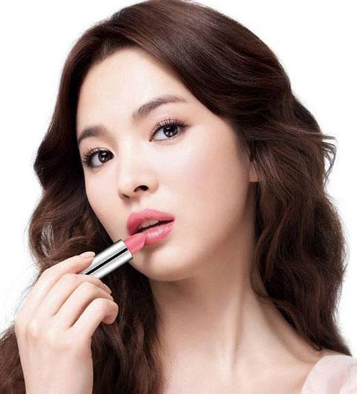 Mẹo để môi đỏ tự nhiên hiệu quả không cần son