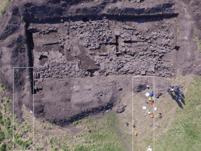 Evidence of 'largest Anglo-Saxon building in Scotland' found
