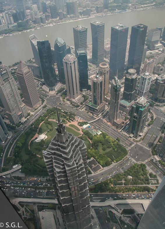 Jin Mao Tower visto desde el Shanghai Tower