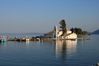 Vlaherna Monastery and Mouse island (Pontikonisi), Corfu, Kerkyra (Corfu). Монастырь Влахерна и Мышиный остров (Понтикониси) , Корфу, Керкира (Корфу)