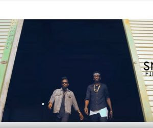 Tinny – Ame Fee Dede ft. Samini (Official Music  Video)