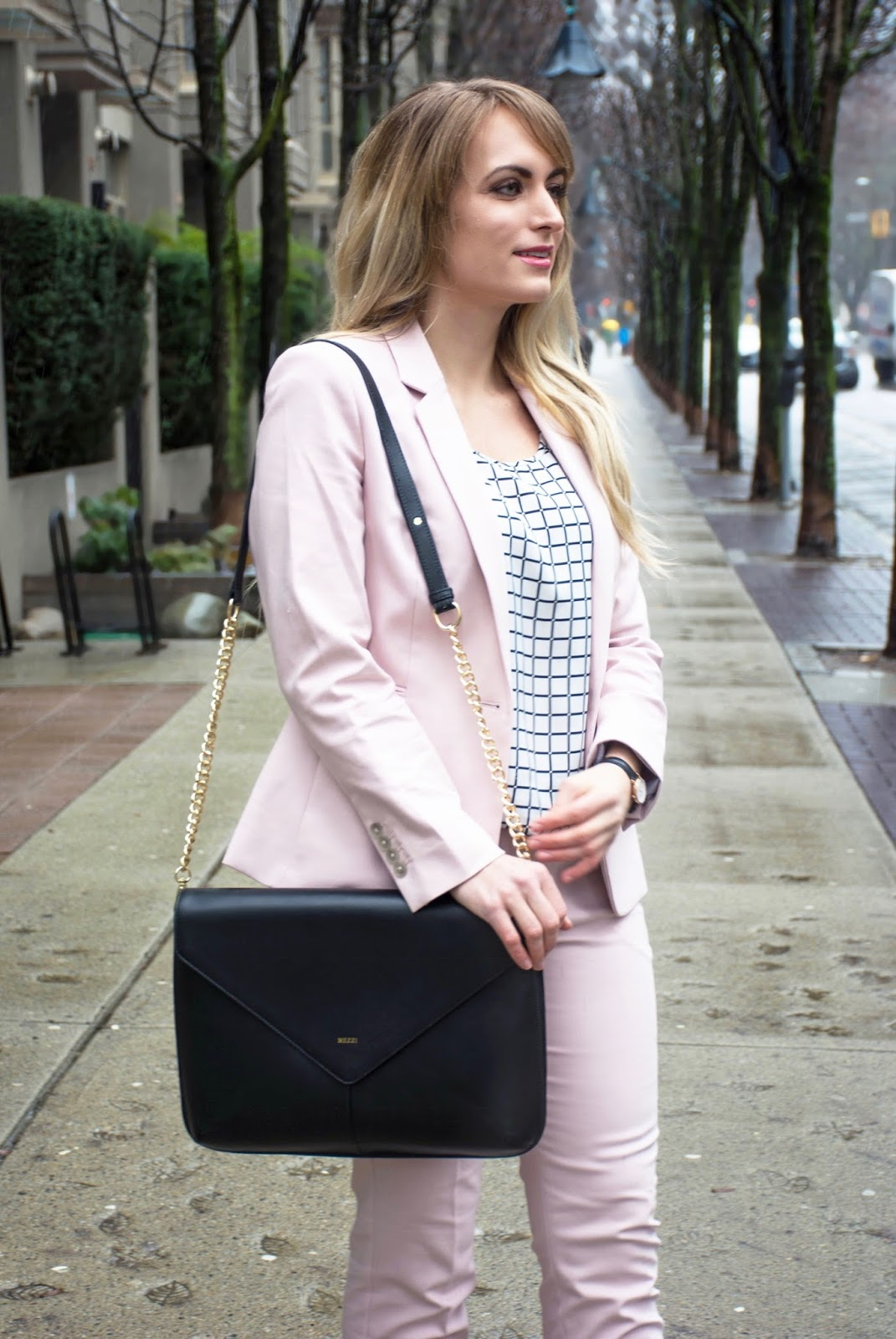 fashion blogger pink suit