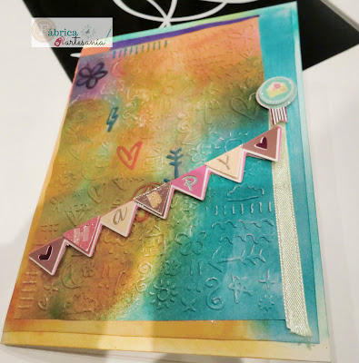 Primer plano tarjeta happy mail arcoiris Foto 1