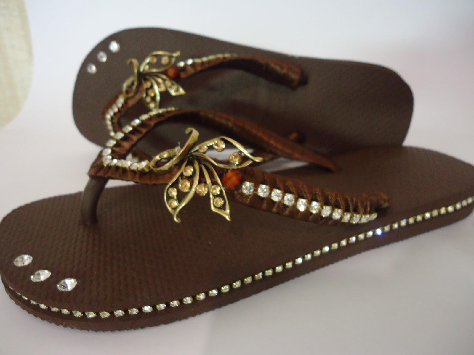 117d6c975032fd Saiba como fazer chinelos lindos com aplicação de strass - Claudia ...