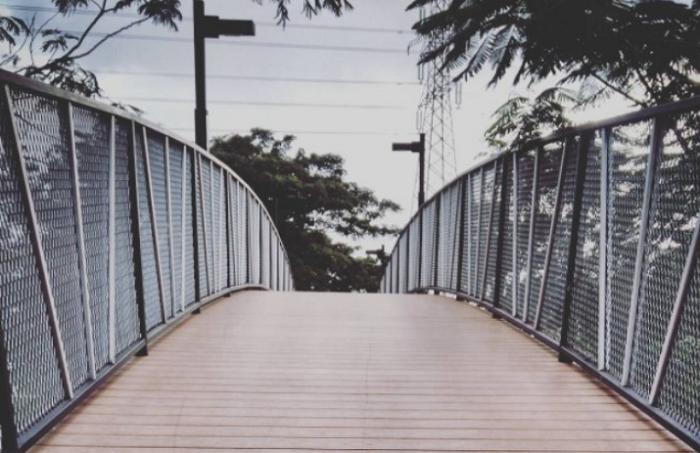 Wisata Bekasi Jembatan Magbetica