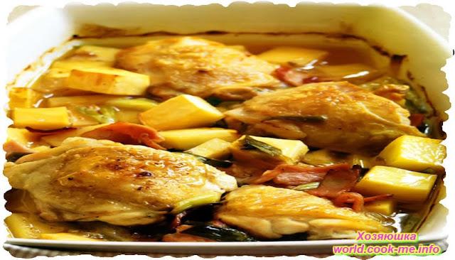 Жаренная курица в духовке с беконом