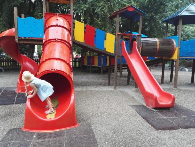 Lasten kanssa Brasovissa, Romania / Leikkipaikat ja leikkipuistot