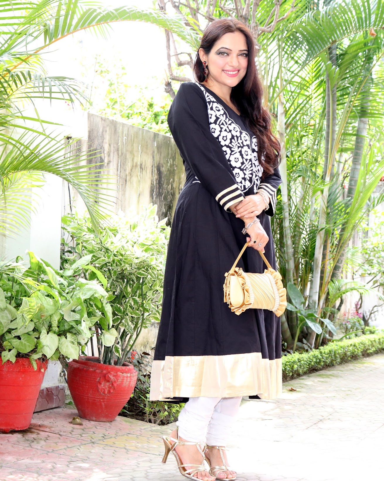 Birthday lunch OOTD | Black & Gold Anarkali, Indian fashion Anarkali suit, OOTD, Indian fashion blogger, Chamber of Beauty