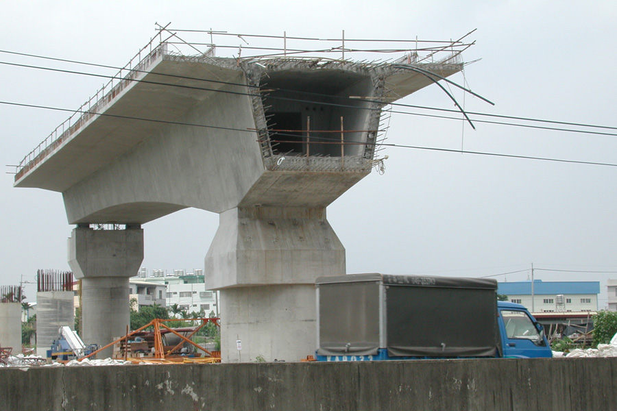 Beam Bridge Construction Materials : What is box girder advantages and disadvantages