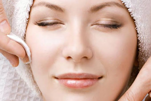 Sudah rajin membersihkan muka, namun kondisinya malah bertambah kusam dan muncul berbagai macam masalah. Mungkin tahapan yang Anda lakukan ada yang kurang tepat.