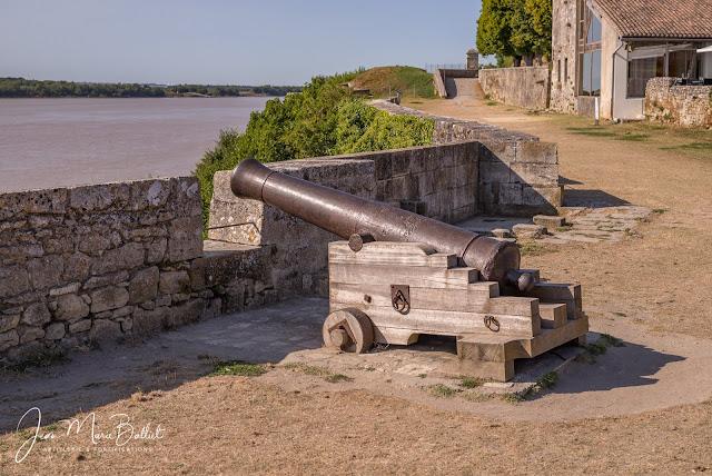 Canon de fer de 12 du modèle 1786 « à l'ancre »