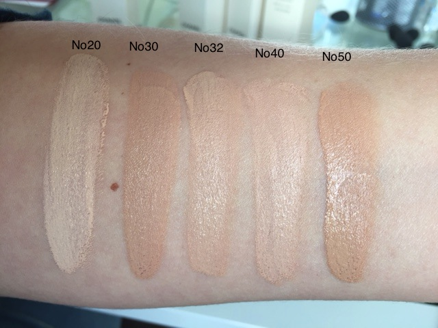 Les Beiges Healthy Glow Gel Touch Foundation  SPF 25 by Chanel #6