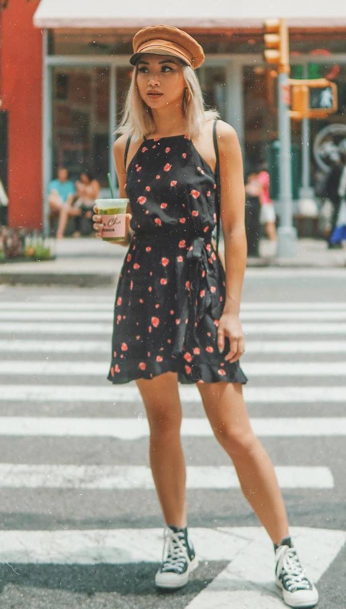 cute outfit idea_black floral dress + hat + high converse
