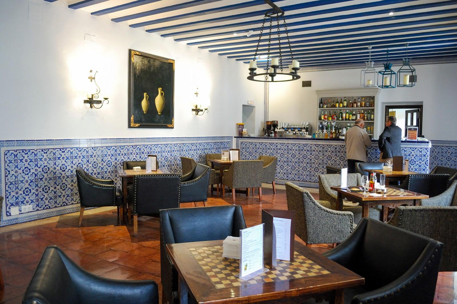 parador chinchon cafeteria pueblos bonitos spain